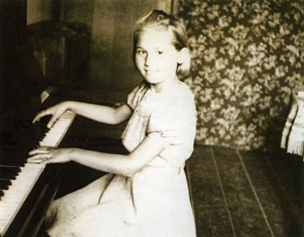 Szefowa MAK w dzieciństwie (foto.rg.ru)