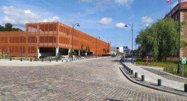 Nowy parking na Okopowej w Gdańsku dla urzędników, czy petentów?